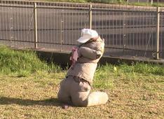 Um boneco vestido de policial militar foi deixado em frente ao monumento de Nossa Senhora de Caravaggio - Brigada Militar