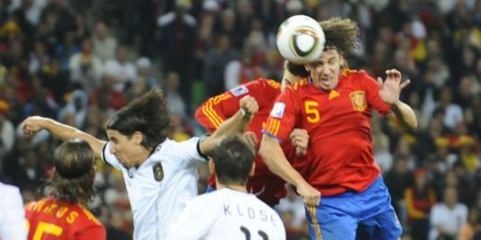 e2ae4523ca Zagueiro Puyol já admite continuar na seleção da Espanha
