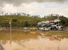 Nesta manhã, rodovia Anhanguera foi bloqueada por causa do alagamento causado pela chuva Foto:Rodrigo Coca, Agência Estado