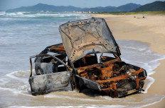 Motorista teria atolado carro ao tentar ir da Joaquina ao Campeche - Guto Kuerten / Agencia RBS