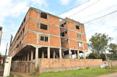 Construção de 48 apartamentos foi paralisada em 1982 no Condomínio Quaraí, na Capital-Emílio Pedroso/Agencia RBS