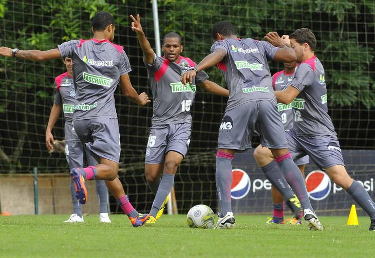 Figueirense treina no CFT do Cambirela:imagem 5