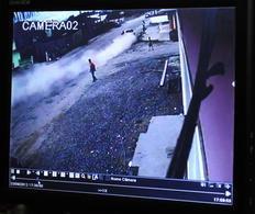 Acidente foi gravado por câmeras de vigilância de uma loja-Pena Filho/Agencia RBS