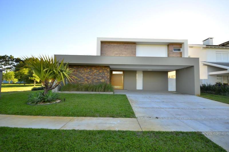 F bio asdente im veis projeto minimalista e muito pr tico for Casa minimalista con piscina