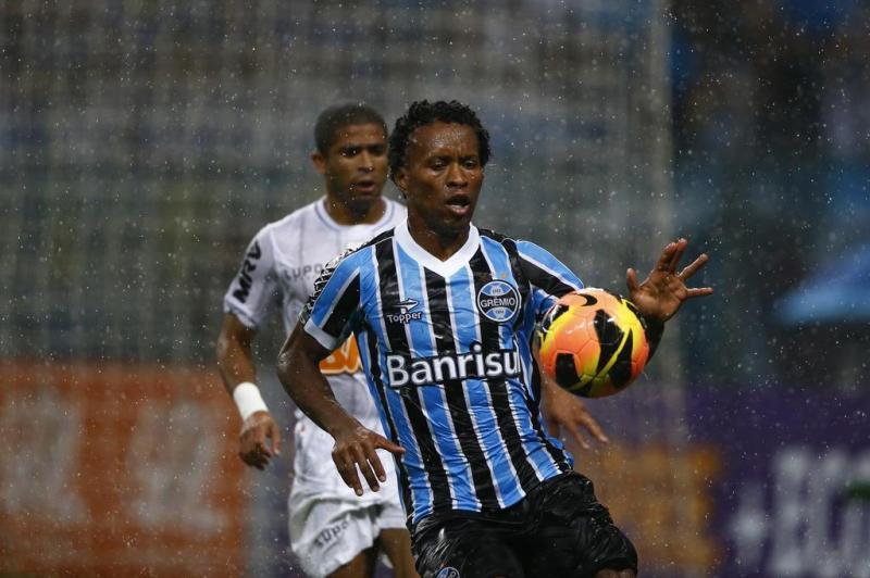 fb801cf479 Confira as mudanças nas camisas do Grêmio nos últimos anos
