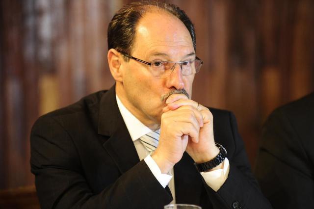 Governador deve encaminhar nos próximos dias projeto para postergar pagamento de reajuste
