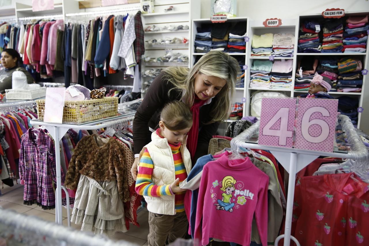 41288b3e849 Brechós infantis tem roupas até 70% mais baratas. Saiba onde comprar ...