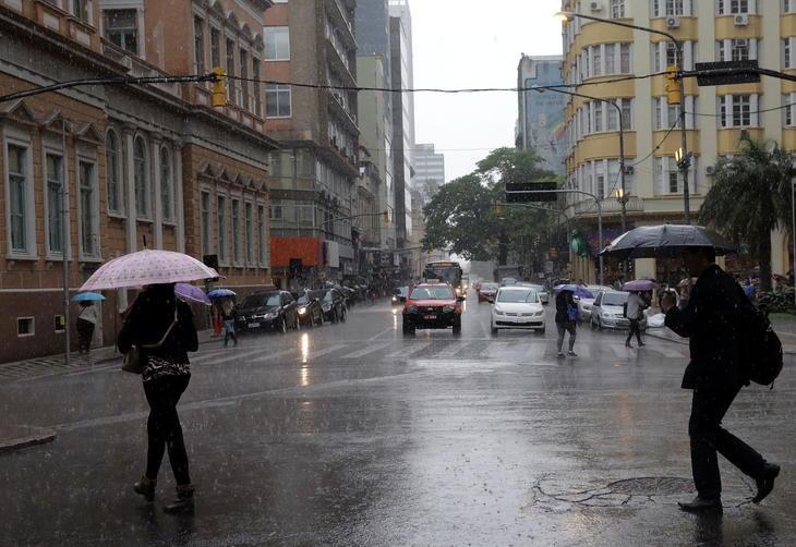 Quinta será chuvosa e com  máximas de até 30ºC no RS