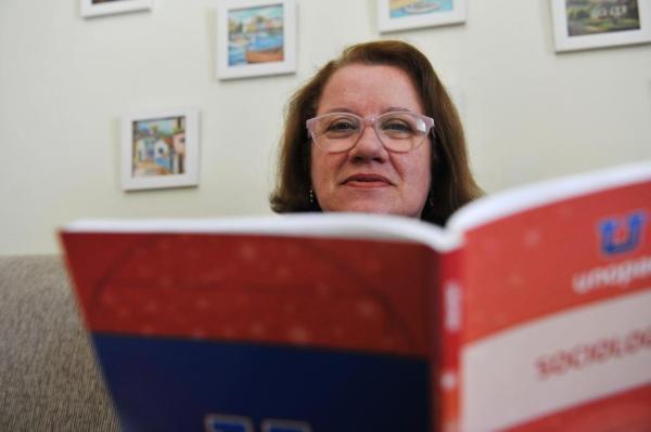 Matriculada em Serviço Social, Dona Vanis não vê a hora de começar as aulas