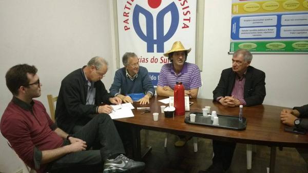 Foi arquivada denúncia de que Bortoluz (à esquerda) teria participado do pedido de impeachment