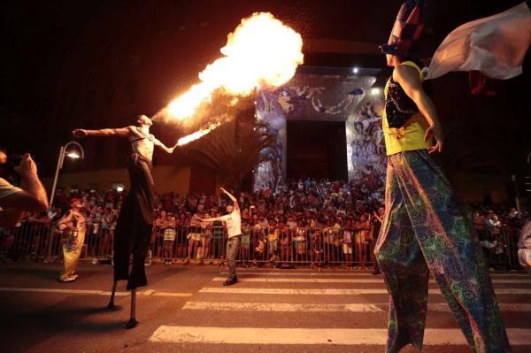 Unidos do Caldeirão, em desfile de 2016, é uma das escolas confirmadas para o Carnaval deste ano