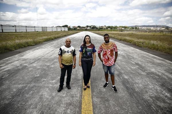 Compositores de sambas-enredos, Arilson, Michéle e Flavio (da esquerda para a direita), só terão silêncio na passarela