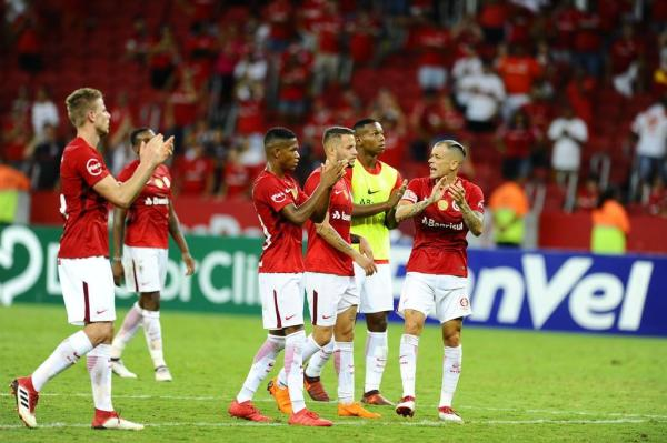 Time capitaneado por D'Alessandro mostrou poder de reação no segundo tempo do Gre-Nal do Beira-Rio