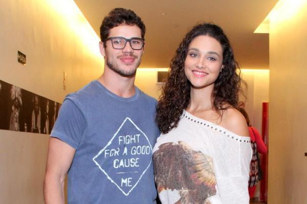 O casal José Loreto e Débora Nascimento