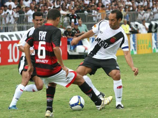 de94270d1b Treze jogadores podem deixar o Vasco em 2009