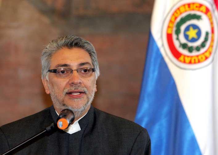 Lugo destitui alto comando militar
