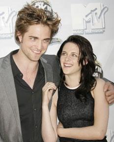Robert Pattinson e Kristen Stewart foram elogiados por funcionários da casa onde ficaram hospedados-Divulgação/Kzuka
