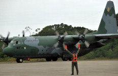 Aeronave C-130 Hércules sobrevoará as baías Norte e Sul até domingo-Guto Kuerten